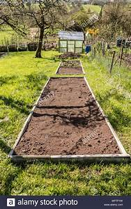 Bett Für Den Garten : bett im garten bepflanzen ~ Frokenaadalensverden.com Haus und Dekorationen