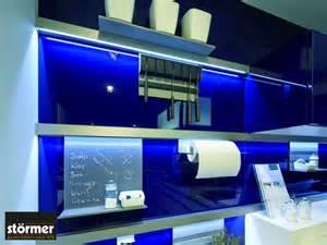 fliesenspiegel küche küchenrückwand aus glas preis infos tipps zum kauf