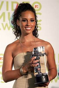Alicia Keys In 2005 MTV VMA39s Hosted By Diddy Press Room