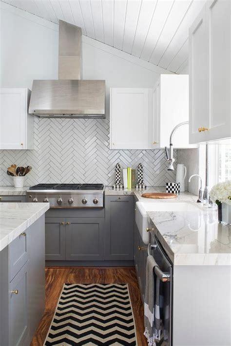 Bianco Macabus Quartzite   Transitional   kitchen