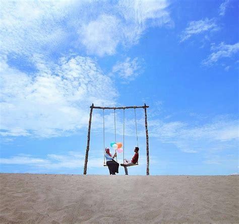 gumuk pasir parangkusumo romantisme senja hingga serunya