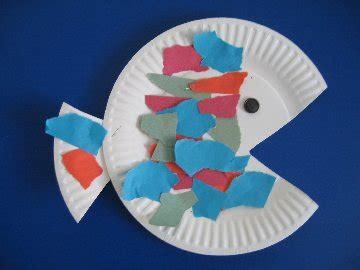 Seahorse paper plate craft castrophotos paper plate fish template little inspirations letter f maxwellsz