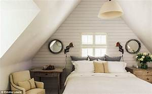 Farrow And Ball Köln : interiors beyond the thatch daily mail online ~ Frokenaadalensverden.com Haus und Dekorationen