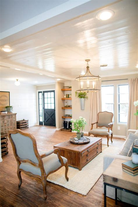 Ideas Hgtv by Decorating With Shiplap Ideas From Hgtv S Fixer