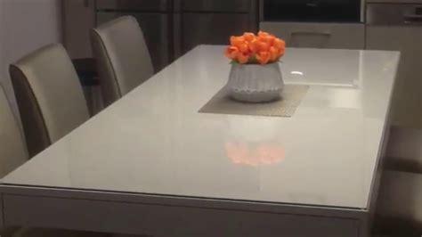 protection bureau verre protection table en verre table de lit a roulettes
