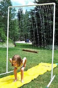 Construire une douche exterieure avec tube pvc for La maison rouge perce 13 construire une douche exterieure avec tube pvc