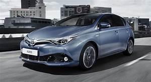 Essai Toyota Auris Hybride 2017 : toyota auris 2017 hybride essence ou business offres et prix ~ Gottalentnigeria.com Avis de Voitures