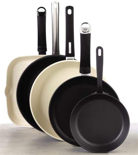 choisir une poele de cuisine quelles poêles faut il avoir pour bien cuisiner recettes simples de cuisine
