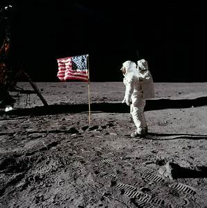 File:Buzz salutes the U.S. Flag.jpg - Wikipedia