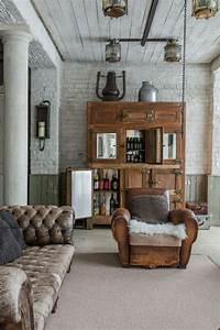 Living Style Möbel : rustikale ausstattung mit veralteter chesterfield couch ~ Watch28wear.com Haus und Dekorationen