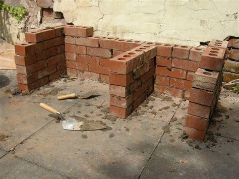 Costruire barbecue in muratura Arredamento per Giardino