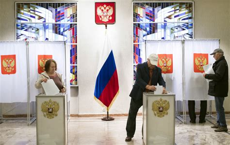 early results show russias ruling party winning