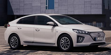 hyundai upgrades ioniq electric car   range