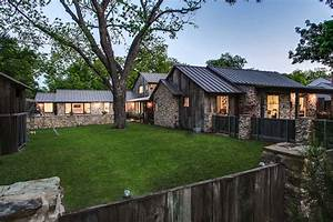 Renovated, Rustic, Barnwood, Farmhouse, In, Texas, Gets, Modern, Facelift