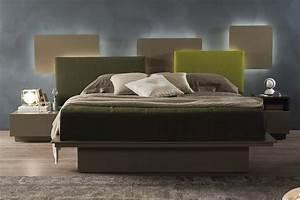 Bett Mit Gepolstertem Kopfteil : bett mit gepolstertem kopfteil bett mit gepolstertem kopfteil in l ndlichem schlafzimmer ~ Sanjose-hotels-ca.com Haus und Dekorationen