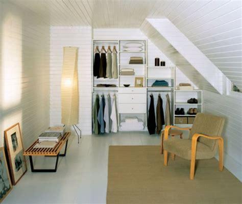 dressing chambre mansard馥 un dressing mansarde des idées créatives pour l 39 usage efficace de l 39 espace disponible archzine fr