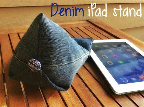 Denim DIY Tablet Stand   AllFreeSewing.com