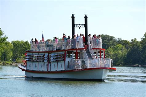 Paddle Boats Geneva Il by 276 Best Riverboats Images On Cruises Ships