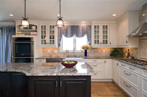 kitchen molding cabinets popular kitchen styles of 2015 the traditional kitchen 2319