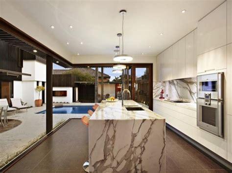 15 Modern Marble Kitchen Designs