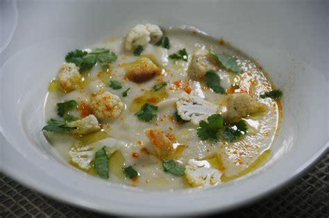 huile de coco en cuisine velouté de chou fleur crème de coco coriandre