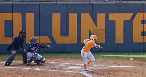 notebook   lady vols earn dominant wins