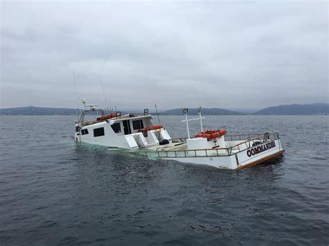Sinking Boat by Boat Sinking Www Imgkid The Image Kid Has It