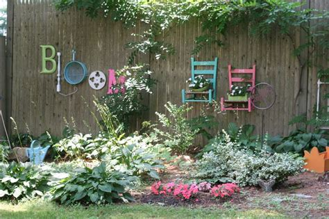Garden Decoration Fence by 30 Cool Garden Fence Decoration Ideas Page 4 Of 5