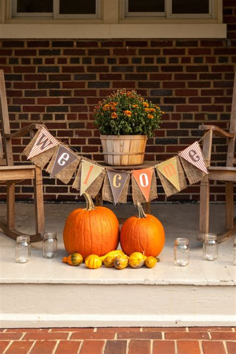 3 Stylish Outdoor Fall Parties To Throw Before December