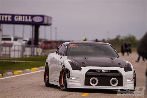 Gtr Drag Car by This 2 500hp Nissan Gt R Eats Drag Strips For Breakfast
