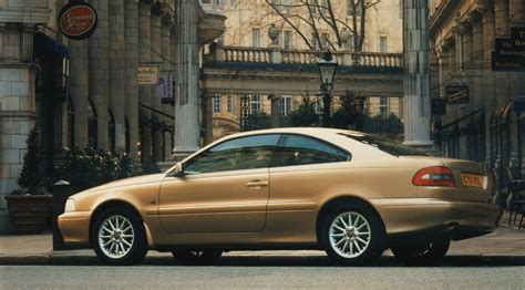 volvo  coupe   review parkers