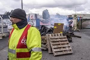 Ad Amiens : francia macron fischiato alla whirlpool di amiens europa ~ Gottalentnigeria.com Avis de Voitures