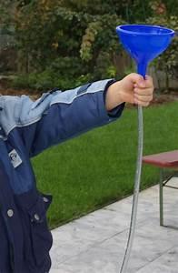 Abfluss Gluckert Wasser Kommt Hoch : ein schlauch und ein luftballon versuch zum wasserdruck ~ Buech-reservation.com Haus und Dekorationen