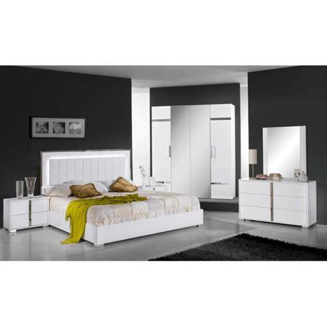 decor de chambre a coucher chambre à coucher complète design moderne panel meuble