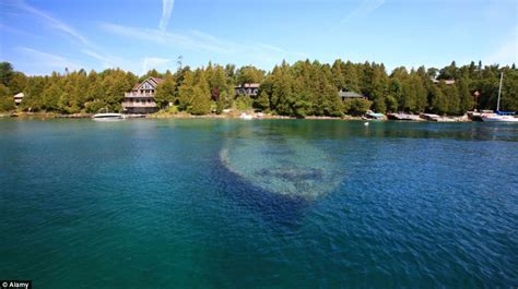 Don T Rock The Boat Ne Demek by World 191 S Most Beautiful Shipwreck Haunting Hull Of