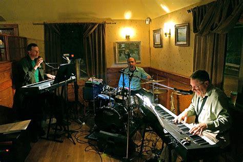 The Jim Marone Trio Singing Love Songs