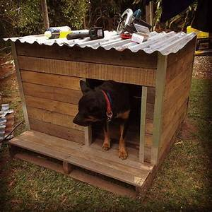 rustic pallet dog house With metal dog house