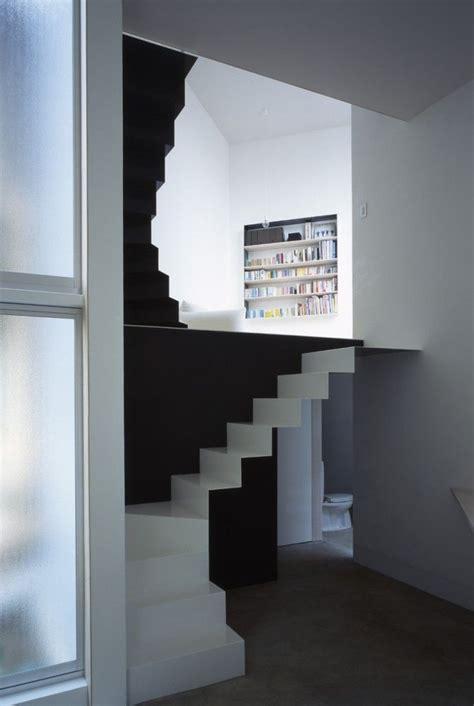 treppe zwischen zwei wänden manchmal eine selbstverst 228 ndlichkeit eine treppe ist