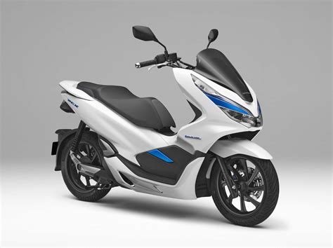 Honda Debuts Hybrid And Electric Scooters For 2018