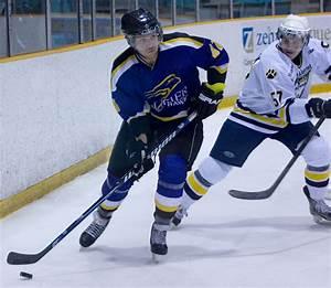 Men's hockey climbs to .500 – The Cord