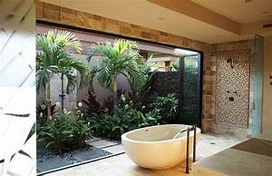Badezimmer Pflanzen Ohne Fenster : 12 id es d co de salle de bains dans un style tropical ~ Bigdaddyawards.com Haus und Dekorationen