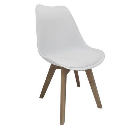 chaise en bois blanc pas cher bjorn chaise coque pvc blanc pieds bois naturel achat vente chaise pvc bois cdiscount