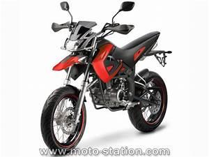 Moto Et Motard : news moto 2008 megelli motard 125m roadster 125s et sport 125r motostation ~ Medecine-chirurgie-esthetiques.com Avis de Voitures