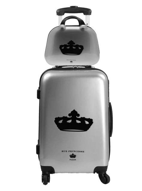 1000 id 233 es sur le th 232 me valise vanity sur emballage une bouteille et argent