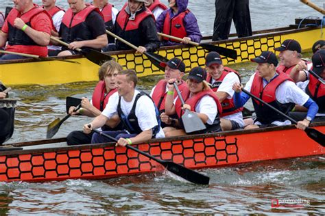 Dragon Boat Racing Companies by In Pictures Dragon Boat Racing On Preston Dock Raises