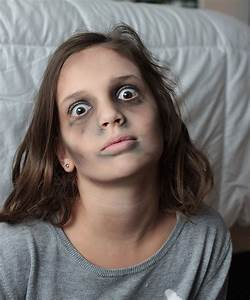 How To Halloween: Zombie Makeup | Lone Kate