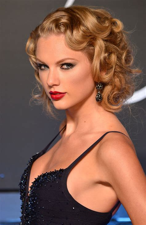 Taylor Swift presenta a Gabby Barrett con innovador video ...