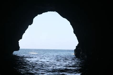 Napali Coast Boat Tours Winter by Exploring Sea Caves Along The Napali Coast Picture Of Na