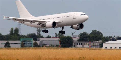 chambre de commerce et d industrie bordeaux l aéroport de bordeaux mérignac reste mais veut