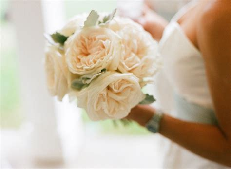 breathtaking affordable wedding flowers everafterguide